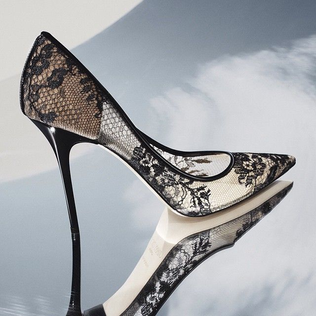 Add a little romance to your everyday with the lace ABEL pump #shoeoftheday #shoes #Jimmychoos Mais