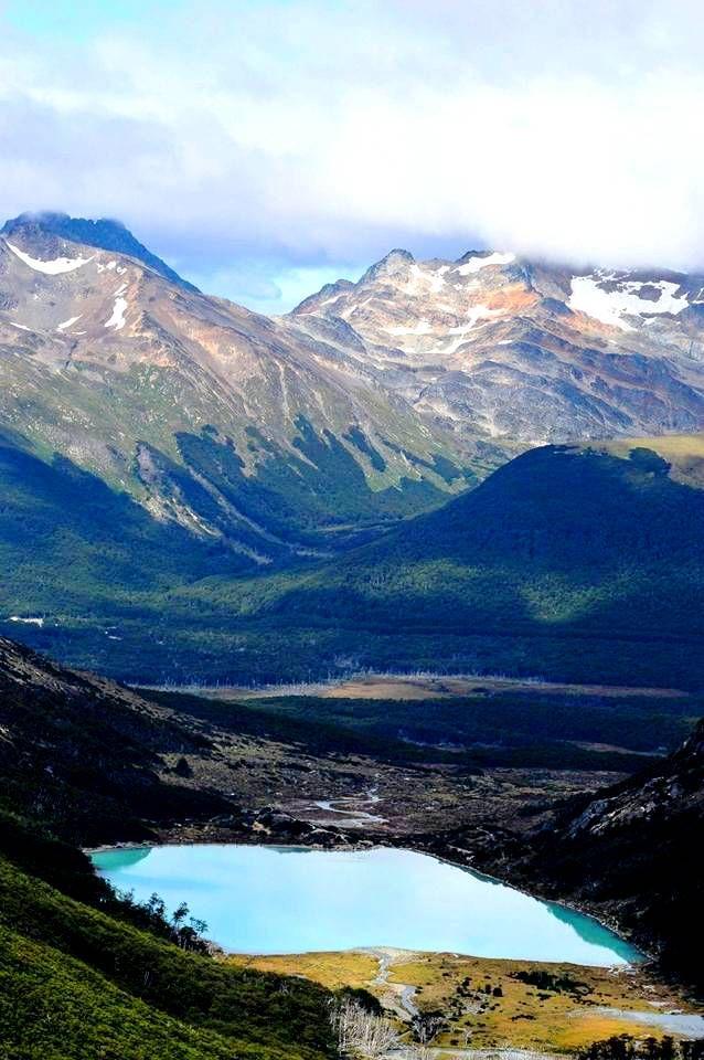 Ushuaia, Argentina - Ushuaia es una ciudad de Argentina en el departamento Ushuaia y capital de la provincia de Tierra del Fuego, Antártida e Islas del Atlántico Sur.
