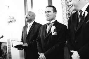 Émotions : 20 hommes qui découvrent leur femme en robe de mariée !