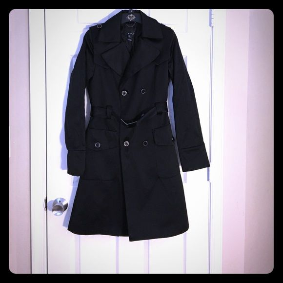 Mango coat Is beautiful Mango coat that don't fit me anymore! Is almost brand new has been use maybe 10 times. Mango Jackets & Coats Pea Coats