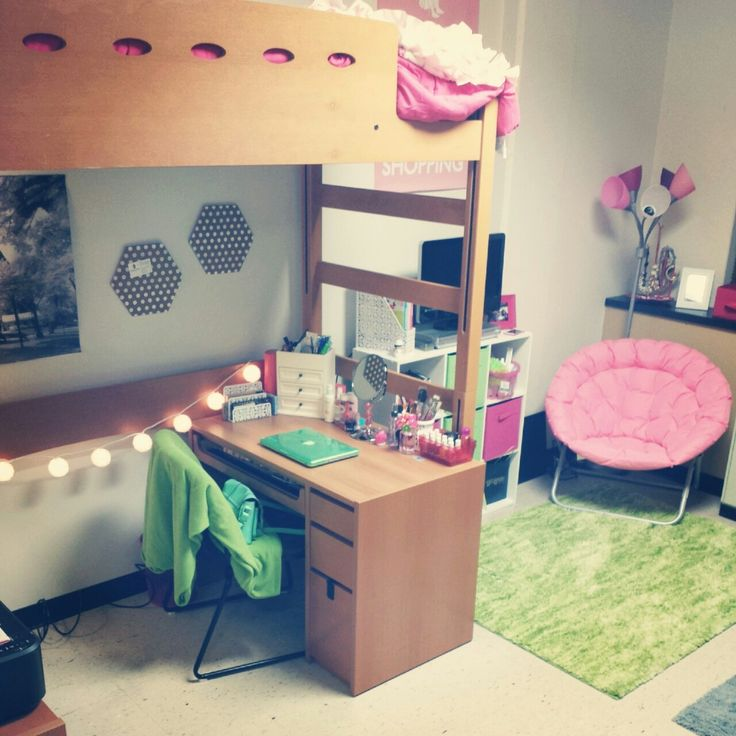 Bright pink and green college dorm room, spruce up for spring!