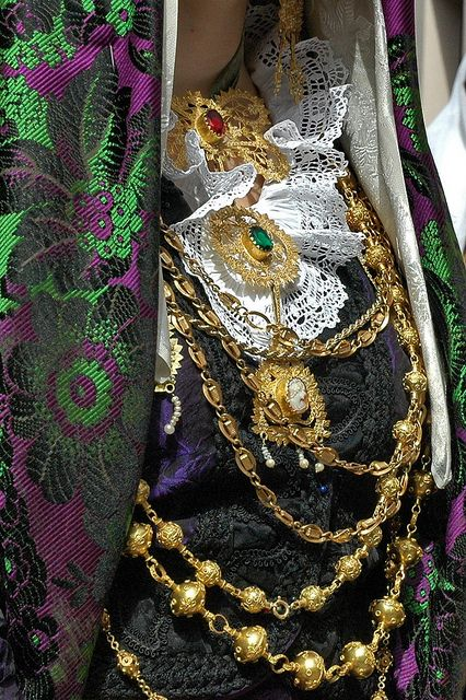 Detail dress of Selargius