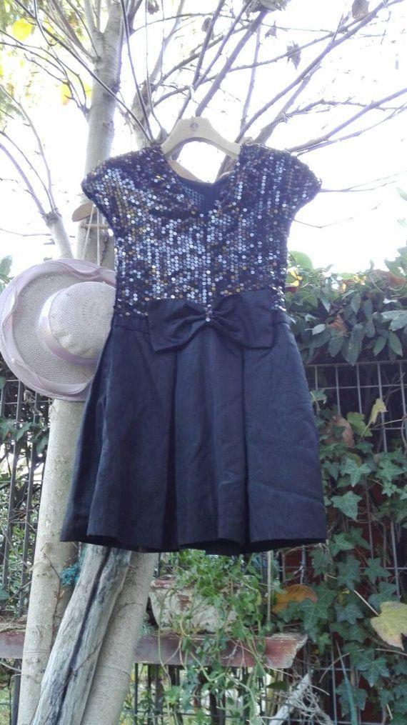 Guarda questo articolo nel mio negozio Etsy https://www.etsy.com/it/listing/258303972/vestito-nero-di-classe