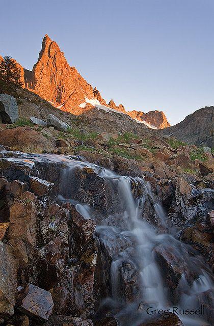 Minaret Lake in the Ritter Range, Sierra Nevada backcountry, California; photo by Greg Russell