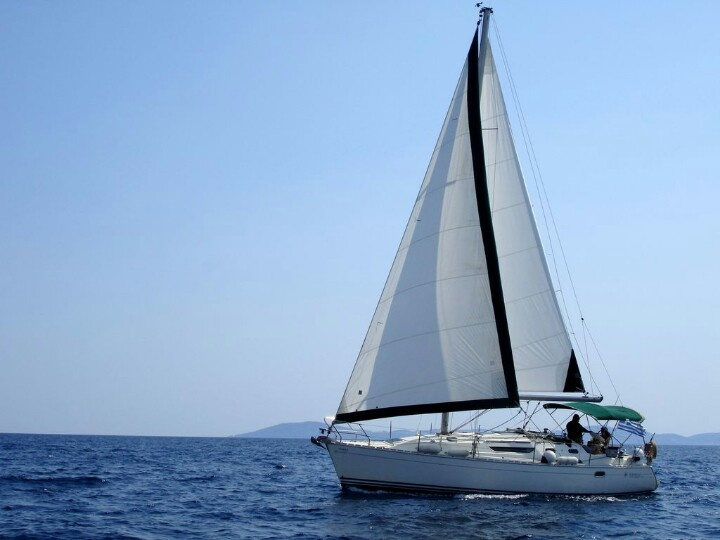 Khalkidiki sailboat charter for day sailing. www.charterayacht.gr