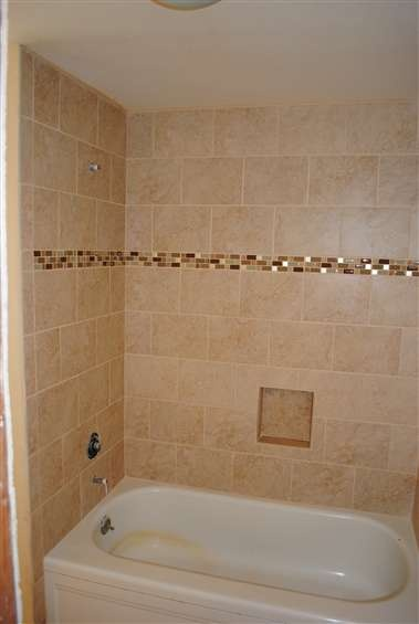 Mosaic Strip In The Tub Shower Wall Tile Would Have Added
