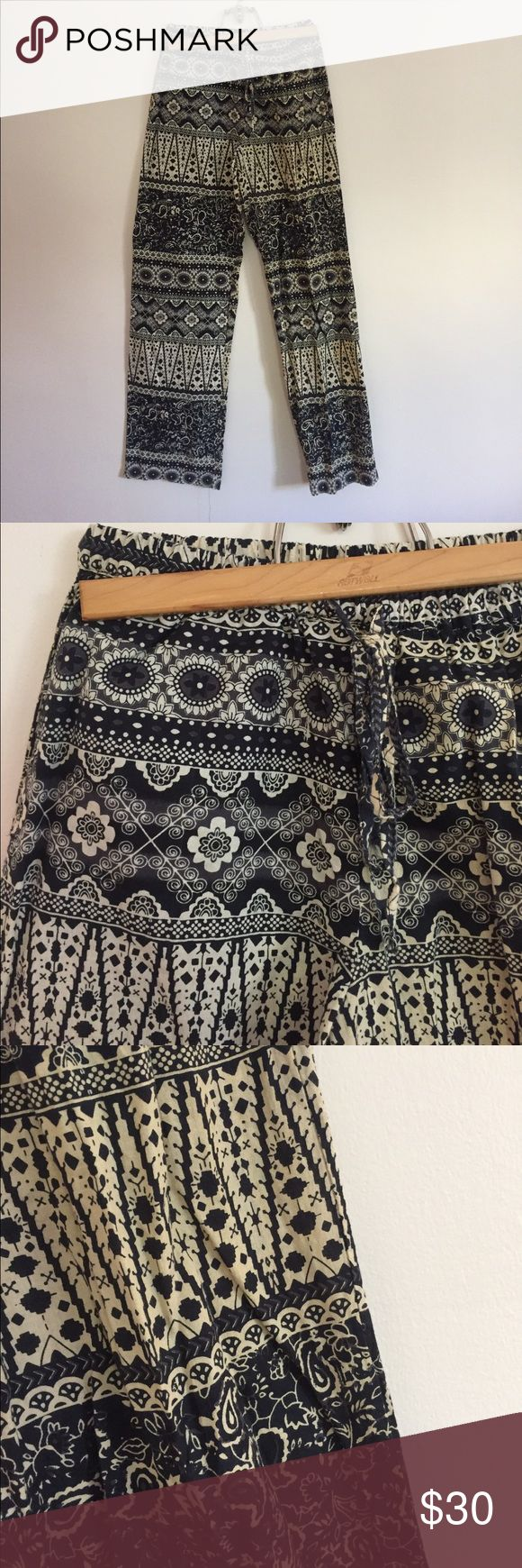 Urban Outfitters Soft Pants Soft, cozy & cute soft pants from Urban Outfitters. Brand is Staring at Stars. Elasticized waist with drawstring. Front pockets. Taupe & black pattern. 100% cotton. Size small. Worn once, like new. Urban Outfitters Pants Track Pants & Joggers