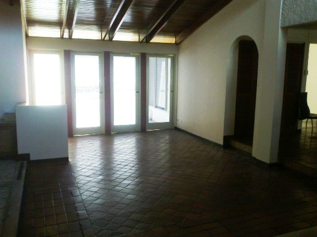 Spacious Home or good office in San Pedro