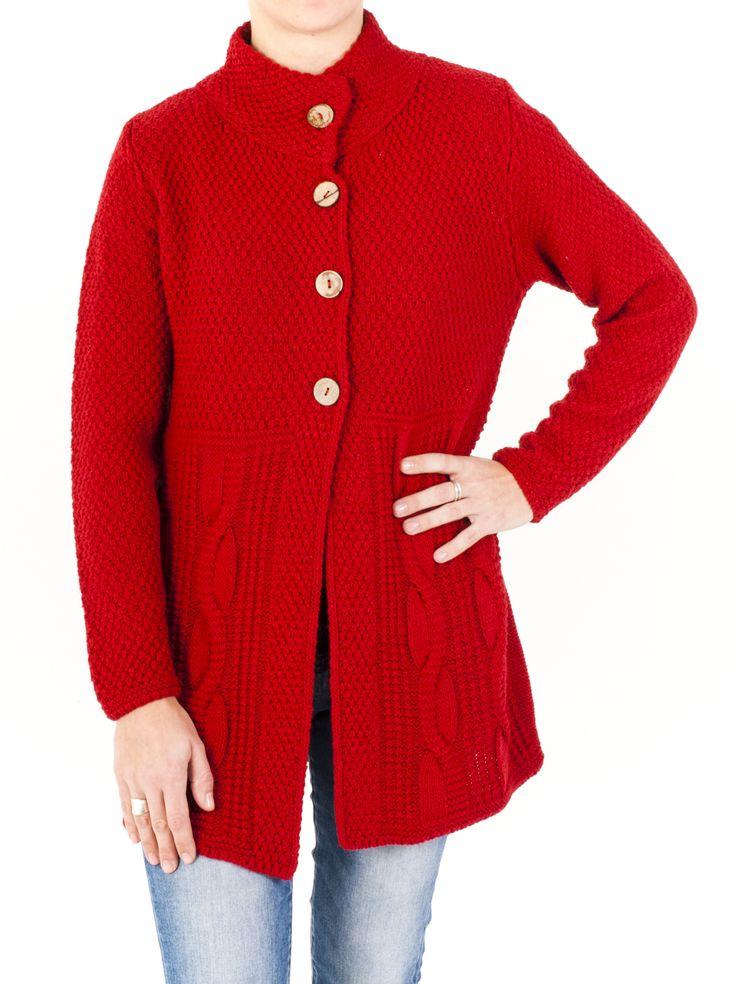 Chaqueta de #punto de cuello doble y punto trenzado para mujer. Combate el frío del invierno y lúcela en tu color preferido. ¿Con cuál te quedas?