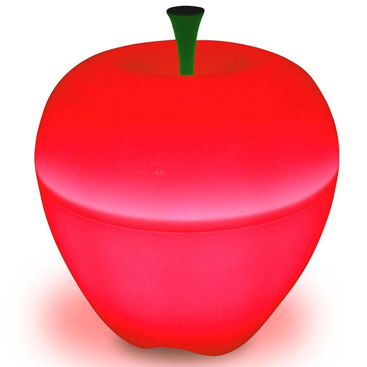 """Qualy– яркие, дизайнерские решения на каждый день! Лампы яблоки непременно займут особое место в Вашем доме. В спальне или гостиной, они создадут уютную атмосферу, рассеивая загадочный """"яблочный"""" свет! Можно создать великолепные световые композиции, используя лампы разных размеров и цветов.  Упаковано в Eco friendly упаковку.             Материал: Пластик.              Бренд: Qualy.              Стили: Поп-арт, Скандинавский и минимализм.              Цвета: Красный."""