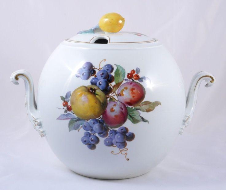 http://www.ebay.de/itm/Meissen-Obst-Malerei-Fruchtmalerei-wunderschone-Terrine-Bowle-Bowlegefas-/321577995494?pt=LH_DefaultDomain_77