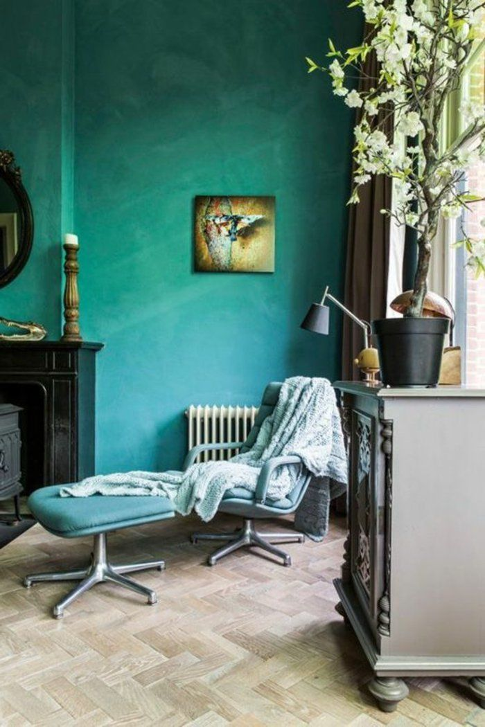 peinture glycéro, peindre son mur en couleur verte, chaise ergonomique et buffet gris