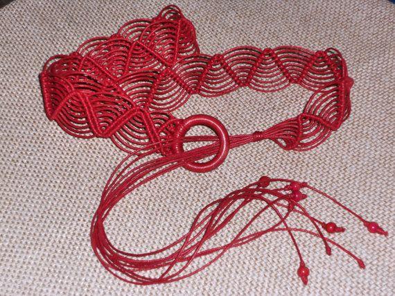 Handmade macramè red belt accessories women di AngelaMacrame, €29.00
