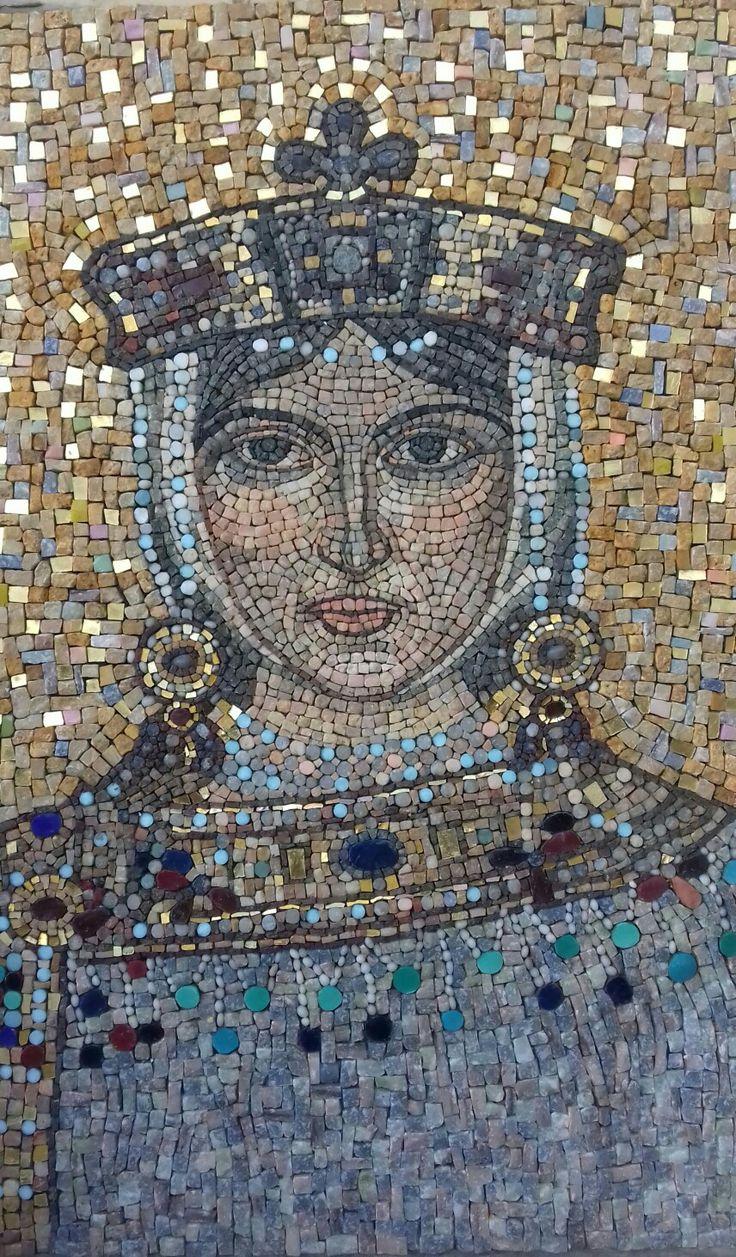 Mosaico realizzato da Paola Monti con marmi, smalti e oro. Ritratto dell'imperatrice ELIA EUDOSSIA ( V sec. d. C)