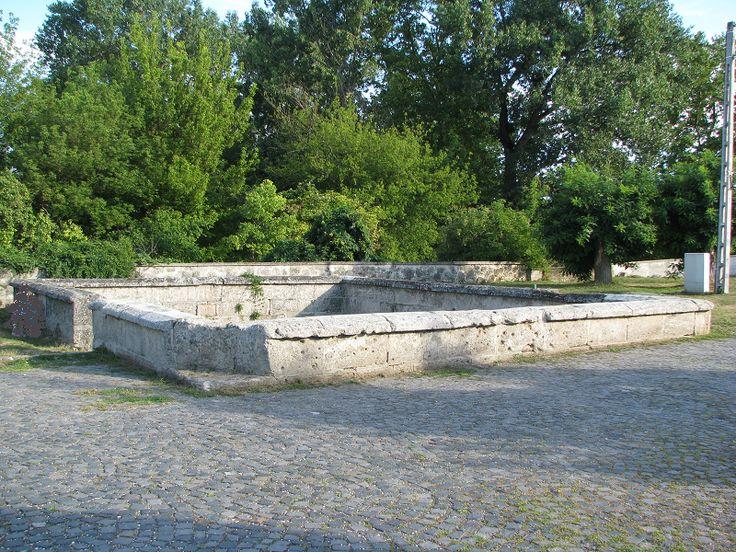török fürdő (Törökkút) (Zsámbék) http://www.turabazis.hu/latnivalok_ismerteto_3861 #latnivalo #zsambek #turabazis #hungary #magyarorszag #travel #tura #turista #kirandulas