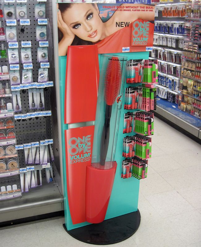 Popon | Image Gallery | Maybelline One on One Floor Stand