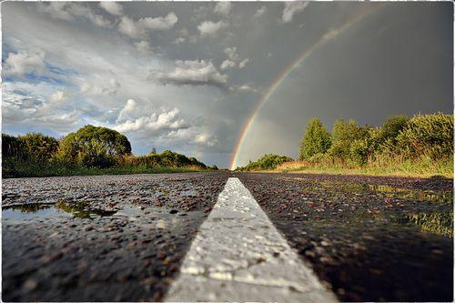AMAZING photograph! #rain #rainbow