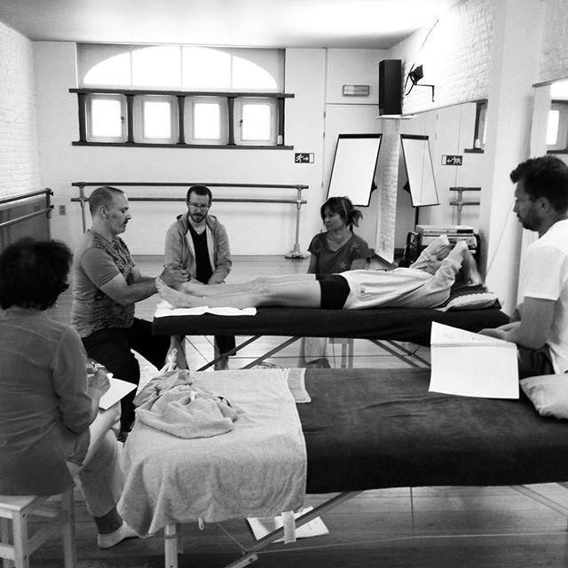 Travailler le pied comme étant la base du corps.  #thaipied #eembxl