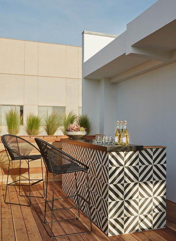 13 Artistic Outdoor Bar Concepts For Your Backyard Motivation Zeltahome Com Outdoor Kitchen Bars Outdoor Rooms Backyard Pavilion