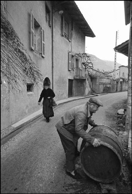 Bruno Barbey - France. 1965.