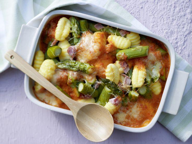 Gnocchi-Spargel-Auflauf - mit Schinken - smarter - Kalorien: 356 Kcal - Zeit: 40 Min. | eatsmarter.de Auch als Auflauf machen sich Gnocchi gut.