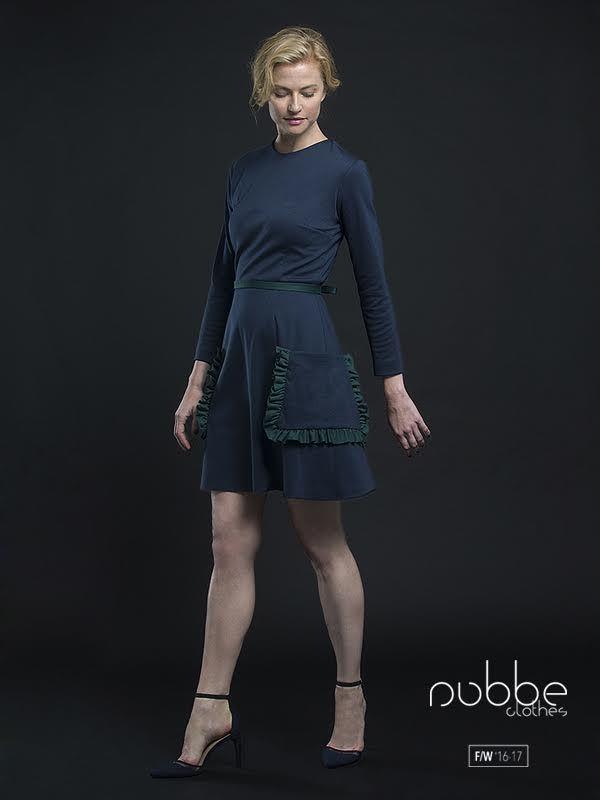 """NUBBE CLOTHES   F/W '16-17  Casual & chic! Qué os parece el vestido """"Neus""""?  También disponible en crudo, verde y azul marino.  Hazte con él en nuestra tienda online y puntos de venta. http://tienda.nubbeclothes.com #otoño #fashion #moda #modagallega #madeinspain #elegante"""