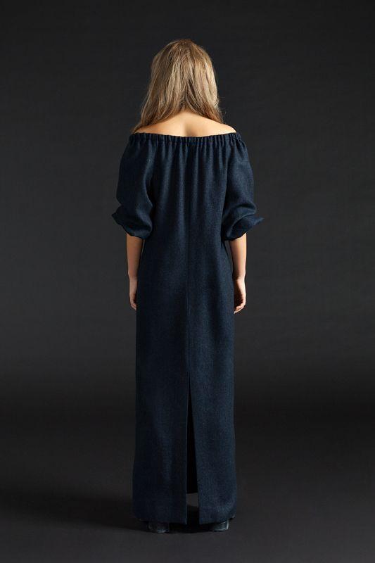 Платье-водолазка UONA. Эксклюзивное качество ткани и пошива. Платье продается вместе с трикотажным чехлом в цвет платья. Возможна индивидуальная подгонка длины (Бесплатно!!!) Состав: шерсть 90%, спандекс 10% Размер: S, M Таблица размеров Цвет: розовый, серый, зеленый Особенность: Модель средней длины — чуть ниже колена
