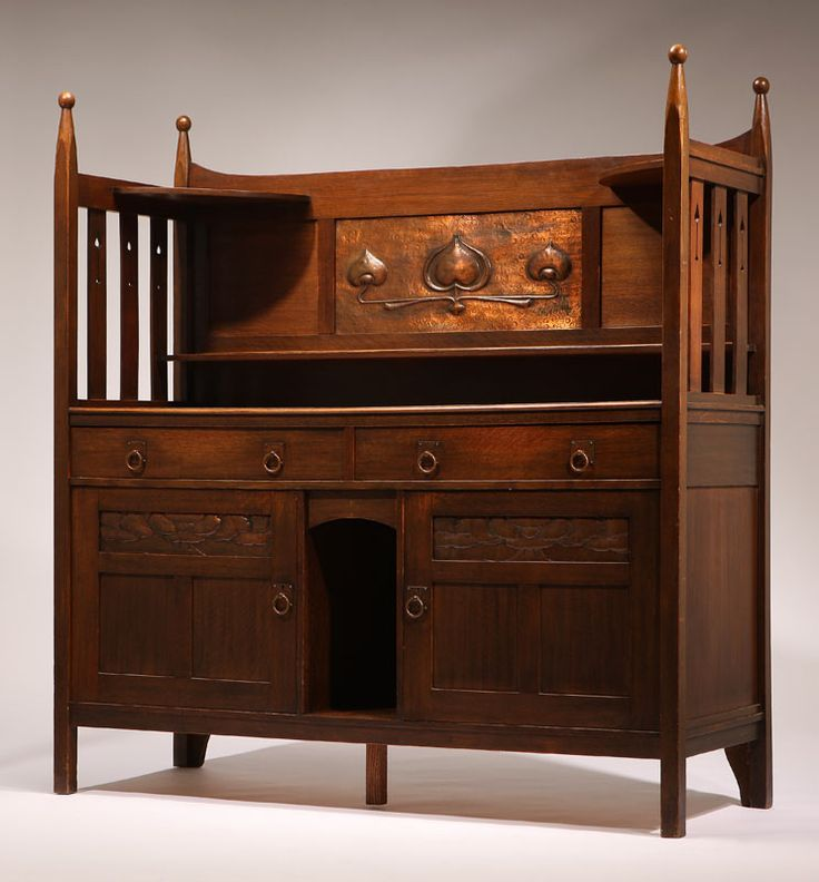 Lot# 1092 A Scottish Arts & Crafts oak sideboard, possibly Wylie & Lochhead