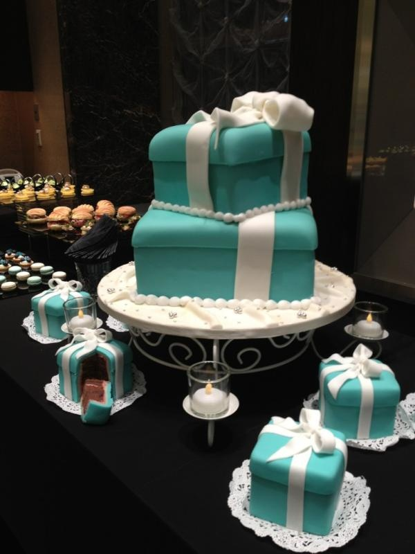 Tiffany cakes for wedding shower  because my ring will be from Tiffany & co