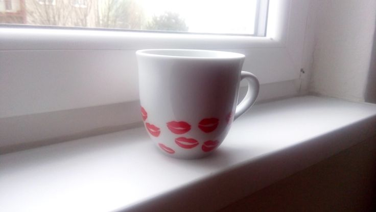 Kiss mugs
