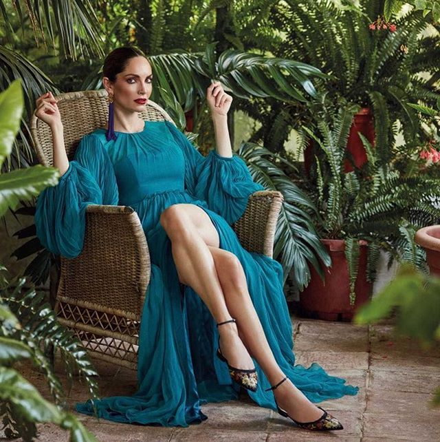 Our kind of Friday with @eusilva in our #fw17 #teal #pleated #gown for @holafashion_es !  @thecrew_es @tamvekic #andrewgn #lounging #eugeniasilva