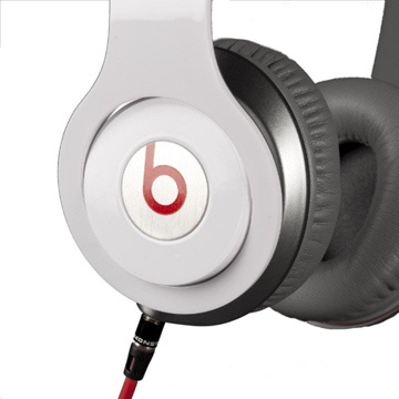 Monster Beats Solo HD Headphones are very suitable for young users