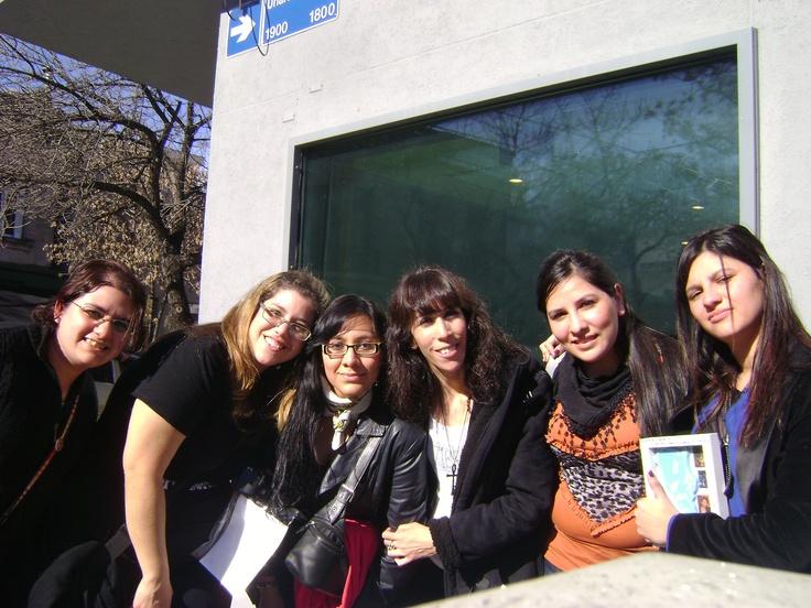con las chicas en radio latina!!! 2012
