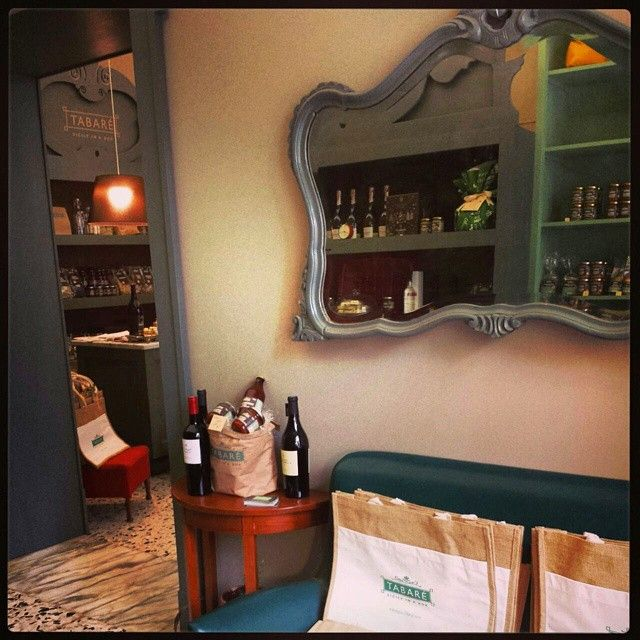 Tabarè Shop, Welcoming Room. Relax and taste our typical sicilian products in one of the most beautiful corner in Ortigia island! #tabarè #ortigia #sicily #Syracuse #relax #tasting #sicilianfood #food #typical #tourism #cuisinesicilienne