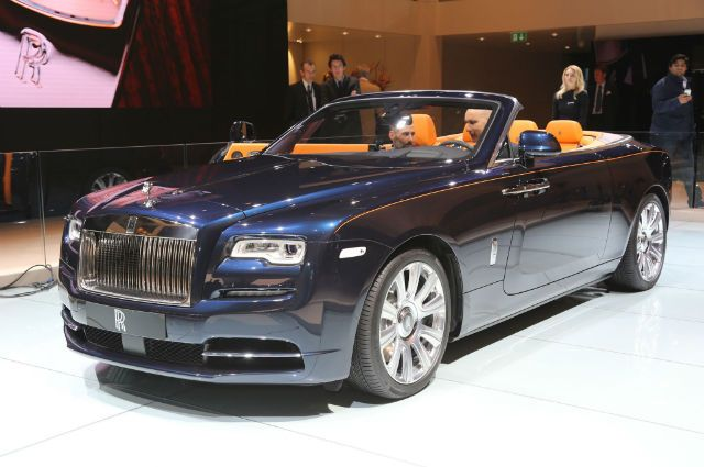 2017 Rolls-Royce Dawn is a 4 seater convertible built by Rolls-Royce Motor Cars. 2017 Rolls-Royce Dawn was announced in time for the 2015 Frankfurt Motor Show. Rolls-Royce said that 80% of its body panels are new, compared to the Rolls-Royce Wraith. The f