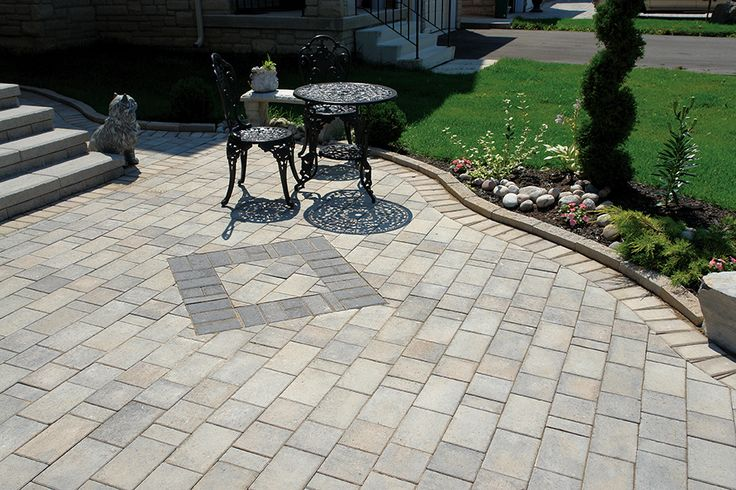 A clean, linear complement to driveways and walkways which can also be used as a wall stone.