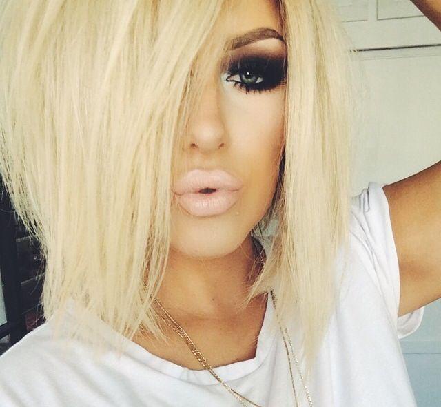 Pretty eye makeup and blonde hair ~
