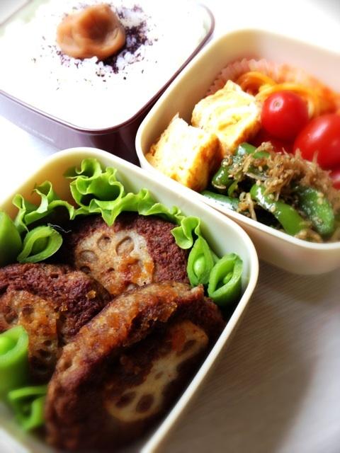 Twitter from @comyon おはようございます。今朝のお弁当はレンコンバーグ弁当です。牛肉の切り落としとレンコンなどをフードプロセッサーでハンバーグに。卵焼き ミョルチポックムなど。 http://p.twipple.jp/RjNWR #弁当 #obentoart