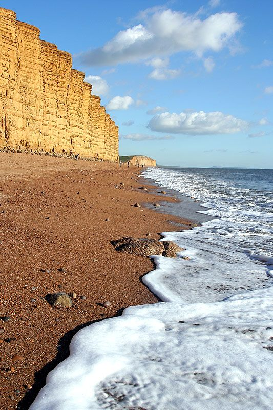 WEST BAY BEACH - Dorset - phot. Adrian Oakes