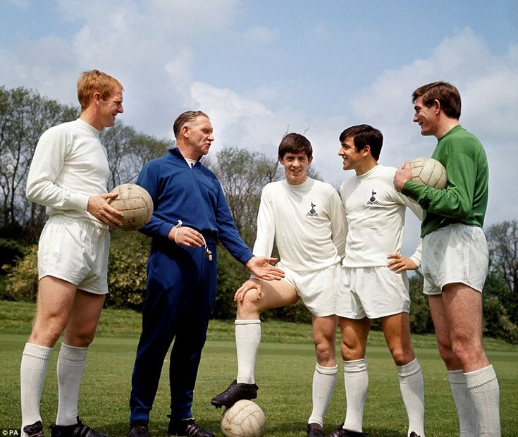 The great Tottenham manager Bill Nicholson talks with Frank Saul, Joe Kinnear, Terry Venables and Pat Jennings five days before the 1967 FA Cup final against Chelsea, a game Spurs won 2-1 at Wembley