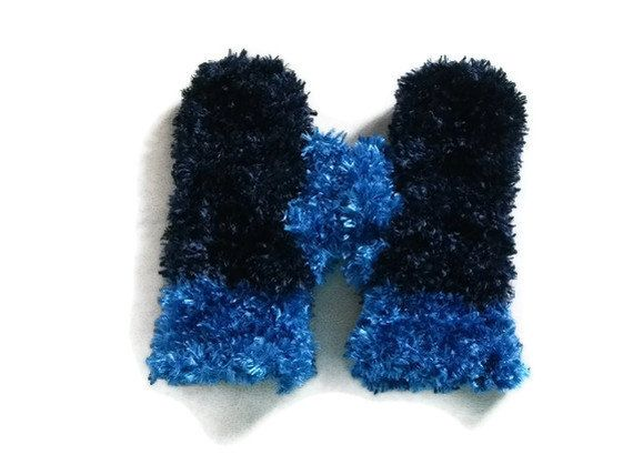 SALE Luxuriously Soft and Warm Mittens/Gloves in Navy and Blue. Winter Warmers, Accessories.