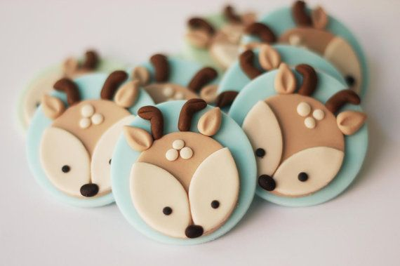 Fondant Deer Cupcakae Toppers - Woodlands fondant cupcake topper set. Forest cupcake topper. Forest fondant animals. Woodlands party set.