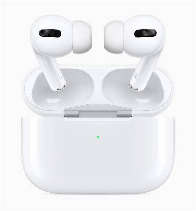 Black Friday 2019 Wearables Bargains Apple Airpods And Airpods Pro Deals Are The Scene Stealers Applenews Applenewsl Airpods Pro Apple Air Noise Cancelling