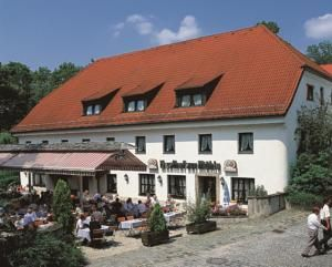 Where we are staying: ★★★ Hotel zur Mühle, Ismaning, Germany