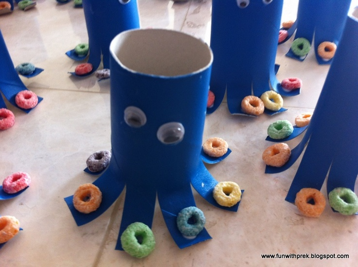 Toilet paper roll Octopus. Can use with Under the Sea unit or letter O! Love the Fruit Loops!