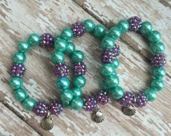 Set of 6 Sand dollar party favor bracelets.. by GirlzNGlitter