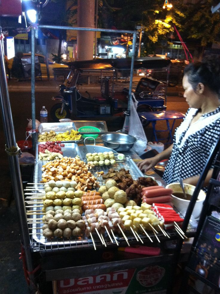 Street restaurant in #Bangkok #AroundAsia