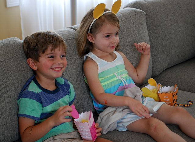 How to make Winnie The Pooh Ears, Piglet Ears, Tigger Ears for costumes - Winnie The Pooh printables
