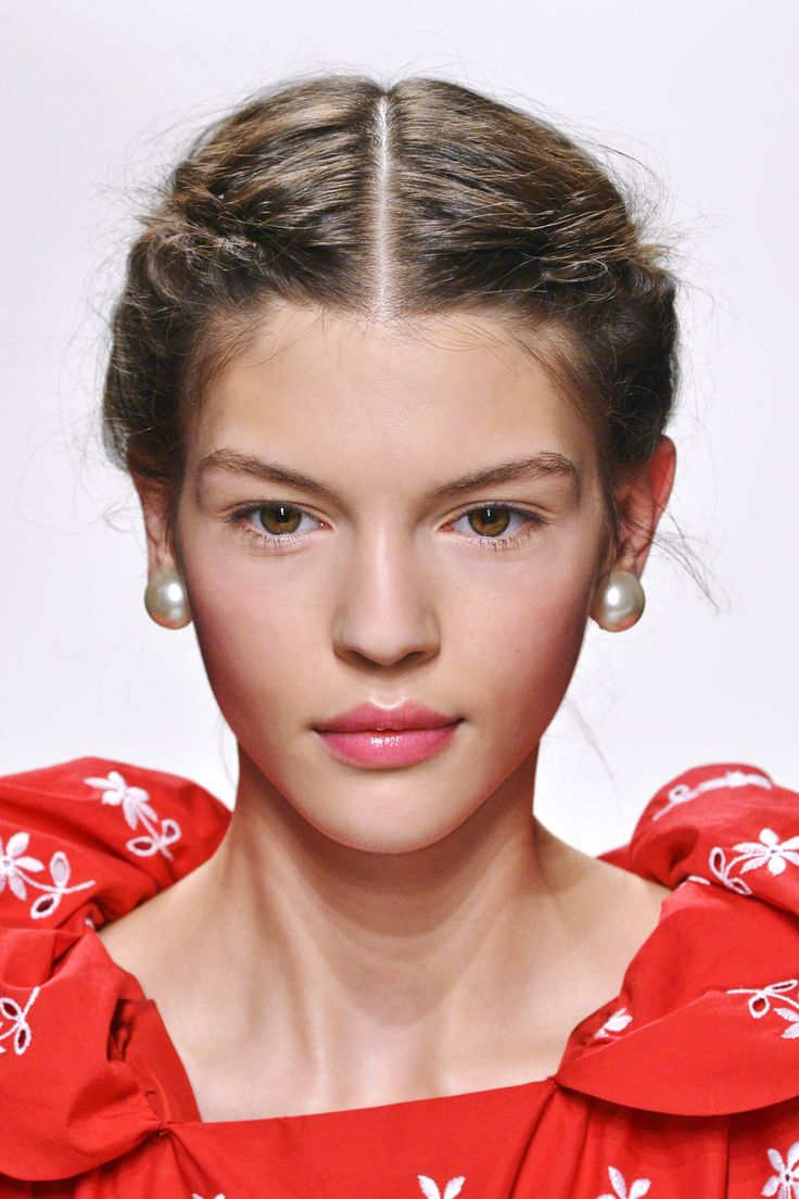 pulled hairstyles