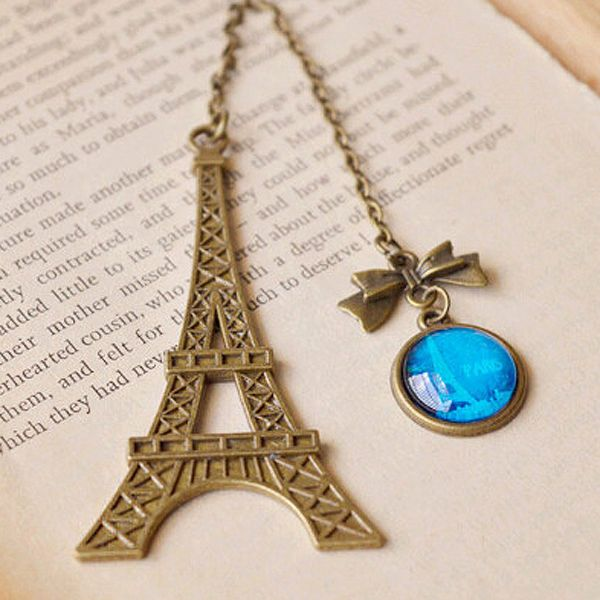 Eiffel Tower Metal Bookmark with pretty charm.    #eiffeltower #books #bookmark